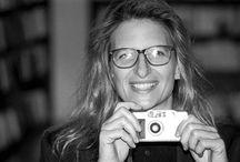 Annie Leibovitz / Quando dico che voglio fotografare qualcuno, significa in realtà che vorrei conoscere qualcuno, consultarne la personalità_Ben presto ho imparato che un'immagine all'apparenza insignificante può divenire piena di significato ed è un aspetto della fotografia che ho sempre adorato. / by Ella