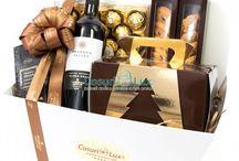 Cosuri Craciun 2016 -  Premium Christmas /  Premium Christmas - colectie cosuri cadou exclusive pentru mediul corporate si nu numai. Cosurile sunt pline cu produse gourmet, de cea mai buna calitate, adaptate pentru diverse gusturi si bugete. Cosurile cadou de lux din noua noastra colectie sunt asezate cu grija in cutii speciale, unicat pe piata din Romania. Produsele sunt selectate cu atentie si asezate in cel mai elegant mod in aceste cutii, in conditii de maxima igiena.