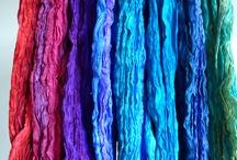 Zijden en wollen sjaals uit eigen atelier / Silk and woolen scarves from atelier In de roos / inderoos@xs4all.nl