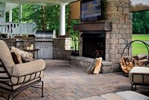 Outdoor Living / CastleLite Pavers and Walls can transform any outdoor living space. Create a lively gathering place or a quiet retreat. Additional offerings such as Grills, Waterless Grass, Pergolas, and outdoor lighting can provide the perfect complement to your project.