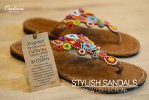 Must-have: Grecian Sandals / Τα αρχαιοελληνικά σανδάλια δεν είναι μία μόδα της χώρας μας. Το στυλ εδραιώθηκε στο εξωτερικό αφού πρώτα οι ξένες εκτίμησαν και δημιούργησαν άποψη στο ντύσιμο με τα αρχαιοελληνικά σανδάλια. Σε καφέ ή και σε κάποια άλλη απόχρωση, απλά ή με χάντρες, τα φλατ σανδάλια θα σας βγάλουν ασπροπρόσωπες όλο το καλοκαίρι.