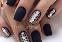 nails rhinestones