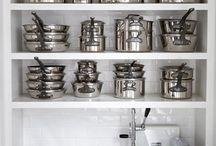 Organization / Creative ways to organize clutter / by Jessica Penn