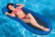 Spring Floats / www.pooltoys.com