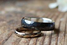 Обручальные кольца разной формы|Грани|Лента Мёбиуса| / Кольца, которые отличаются формой от стандартных классических колец. Ничего сверхординарного - всё можно удобно носить. Разные авторы, необычный подход к одному и тому же. Работы Станислава тоже есть.