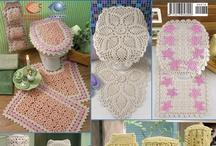 crochet bathroom set / curtain
