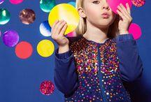 kleertjes.com ★ Mim-pi / Met kleding van Mim-Pi kunnen de opgroeiende meisjes lekker zichzelf zijn, een beetje gek en vooral heel vrolijk. Bekijk de nieuwste collectie en laat je inspireren!
