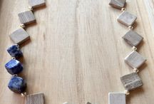 short necklaces / by Teresa Galaviz