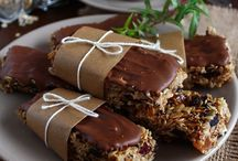 batoniki i ciasteczka zbożowe, bakaliowe