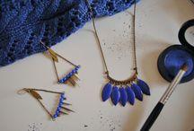 colliers et sautoirs / Nos colliers favoris à base ce chaîne avec ou sans sequins émaillés et aussi quelques tutoriels pour faire des colliers