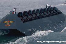 Ships yatch submarine