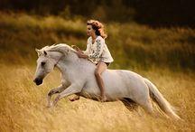 Casual Horseriding - Romantic and Freedom / Gehört das Freizeitreiten in der Natur nicht zu den schönsten und aufregensten Sachen der Welt? Wir finden schon!