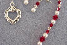 jewelry in red and white / Я не знаю цветов, которые смотрятся более шикарно, чем эти два вместе: красный и белый. Профит!
