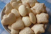 biscoitos e bolos