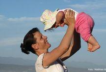 Kinderwunsch & Schwangerschaft / Hier finden Väter und Mütter (und natürlich alle, die es erst noch werden wollen), alles, was sie in Sachen Kinderwunsch, Familienplanung und die aufregenden Monate vor der Geburt  wissen sollten.