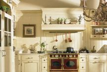 Кухни в стиле кантри / Кухни в стиле кантри отличаются простотой и приятной цветовой гаммой.
