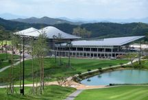 South Korea: Golf club house in Changnyoung with VMZINC / The Donghoon Hilimaru Golf club house was designed by Kyeong Sik Yoon - KACI International, Technique: VMZ Standing seam, Aspect: QUARTZ-ZINC® Copyright : Jongoh Kim