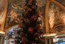Grand Christmas Spaces / Grand venues and Christmas trees