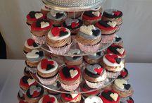 Tortas & Cupcake Towers / by Katherine Neumann Asenjo