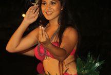 Chiefs Luau Dancers