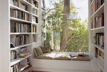 Miejsce do czytania książek przy oknie