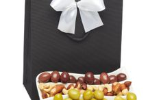 Hampers / We offer a wide range of corporate hampers for corporate gifts