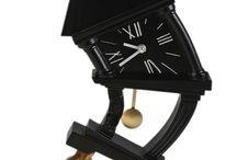 Не забыли перевести часы в эти выходные? / Магазин «Калипсо» вместе со всеми перевел все часы от известных брендов на час назад.