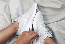 Nike B