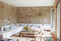 salón pared piedra