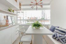 Inspiração: sala de jantar pequena / Mesmo limitado, as salas de jantar oidem ser confortáveis e estilosas, sem abrir mão da funcionalidade.