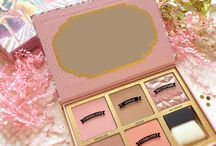 Benefit Cosmetics MAKEUP KITS / All of our different palettes and makeup sets all in one place! xx