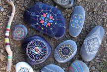 Kövek, kagylók festése