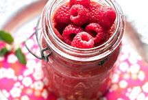 Raspberry Recipes / Raspberry recipes -- raspberry desserts -- raspberry jam -- fresh raspberries -- raspberries and chocolate.