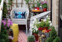 Balcony Garden Ideas / Plants and layouts for a small balcony garden