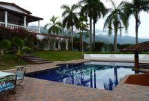 Alquiler de fincas cerca de Medellín / http://mylocal-colombia.net/colombia/medellin/antioquia/agencia-de-alquiler-de-cabanas/alquile-su-finca  En nuestra empresa podrás encontrar fincas para vacaciones, eventos, Retiros espirituales, convenciones, días de sol,  fines de semana, matrimonios, quinces, primeras comuniones  Alquile Su Finca Calle 10 #42 - 45 Oficina 265 - Edificio la plaza del poblado Medellín, Antioquia (4) 4487748