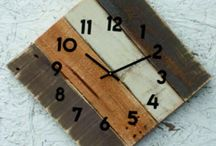 DE Wooden Wall Clock - Modern, decorative clock and antique wood, clock on the wall.