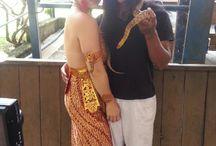 Snake dancing performances by Wulandari-Snake Dancer / Snake dancing performances by Wulandari.