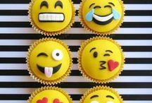Emoji - der Film, der alles zum Smilie macht! / Emojis zaubern uns immer ein Lächeln ins Gesicht. Kein Wunder, dass der Emoji-Film so für Begeisterung sorgt. Und so eignet sich dieses Motto perfekt für den nächsten Kindergeburtstag. Gestalte doch eine Party für die Kinder mit ganz vielen Emojis! Hier sind ein paar schöne Ideen dafür! Auf blog.balloonas.com haben wir noch viele weitere Ideen für Deinen nächsten Kindergeburtstag! #balloonas #kindergeburtstag #motto #mottoparty #party #smilie #emoji #deko #einladung #essen #food