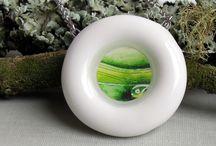 porcelain jewelry / porcelain and resin, design by Mg.A Šárka Schmelzerová, 2013