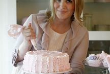CAKE DECORATING AND FROSTING