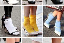 κάλτσες με γοβες