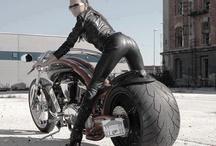 coches deportivos / Me gustan las carreras, los coches deportivos y el mundo del espectaculo del motor