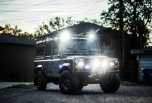 Land Rover Defenders / Discover the exceptional versatility of this iconic 4x4