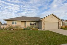 5104 S. Manchester Court Sioux Falls, SD 57108 / Home for Sale Sioux Falls, SD