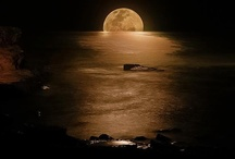 Beautiful Views of the Moon / Amazing pictures of the moon!