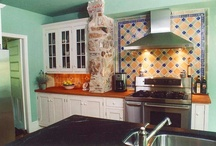 Country Kitchen in Villanova, PA / This country kitchen in Villanova, PA was designed and built by the award-winning contracting firm of HomeTech Renovations.