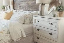 [ Farmhouse Bedroom] / Farmhouse bedroom design inspiration; cozy linens, ruffle bed linens, natural elements. All beautifully styled and simple.