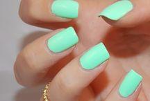 Nails / by dianna birr