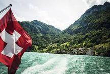 Suïssa / Suïssa té una extenció de 41.285 km2. Té 7.623.428 habitants i la suea capital és Berna. Llimita a l'est amb Àustria, al nord amb França i Alemanya, a l'oest amb França i al sud amb Itàlia.