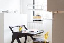 Meja kecil